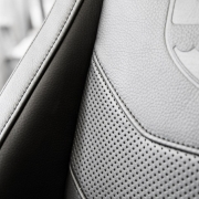 ECHELON CLOSE UP Leather low res