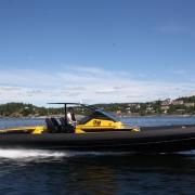 goldfish-38-supersport-build-no-011_28170367355_o with Ullman Echelon suspension seat